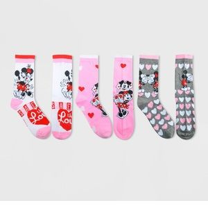 🌻 3 for $25 🌻 Minnie Mouse 3 Pack Socks